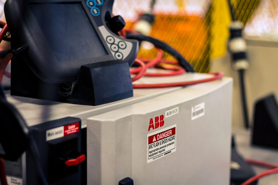 ABB IRC5 M2004 Controller