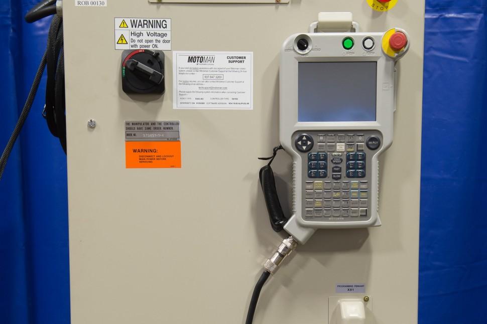 Motoman NX100 Controller ERCR-EA1400N-AB60