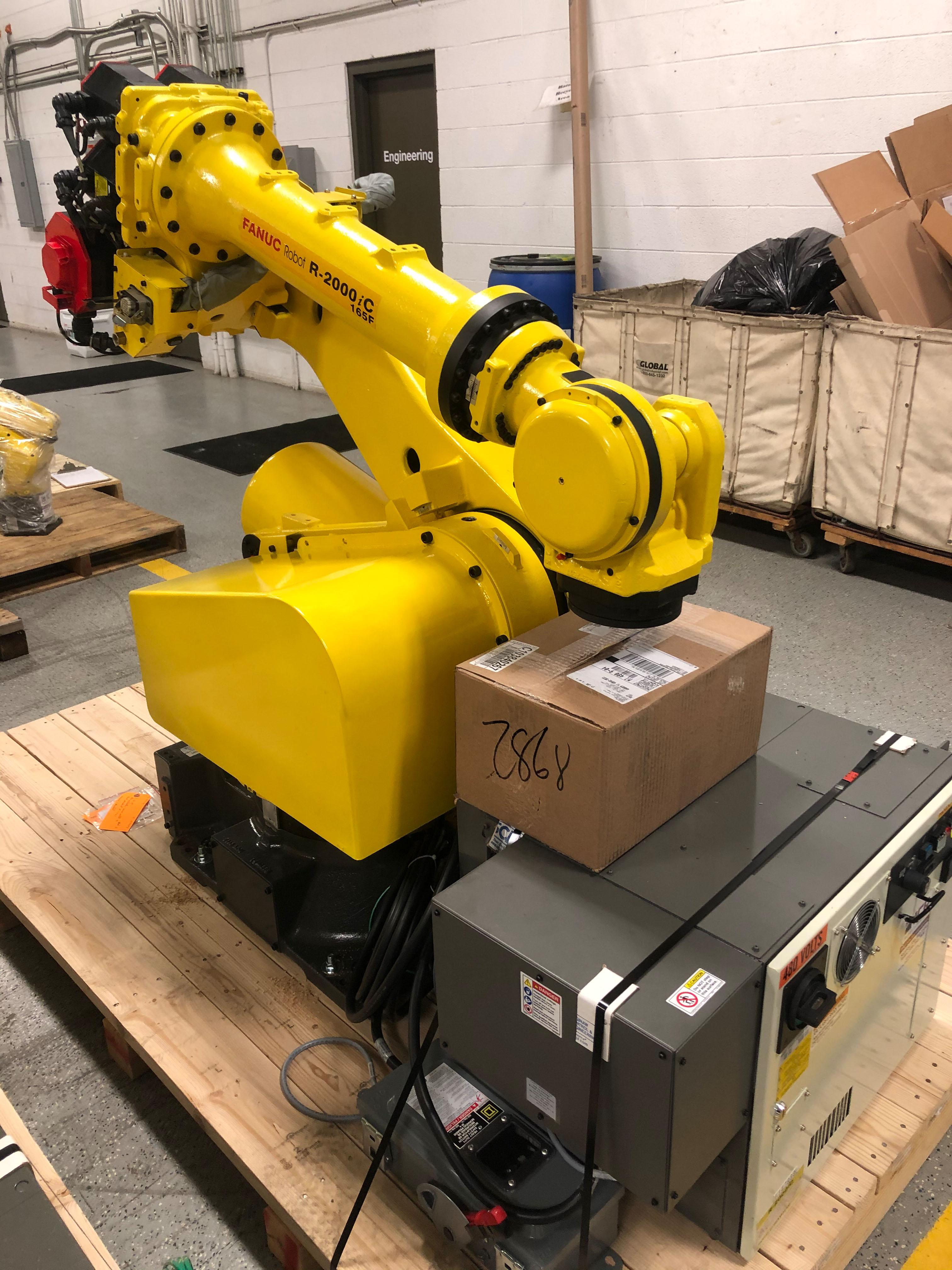 Fanuc R-2000iC Industrial Robot